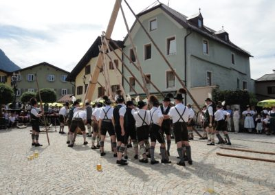 Bavarian town celebrates the tradition of the Maypole